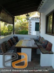 ea_Barbeque_Are_and_Alfresco_Dining_Table_Sits_12_